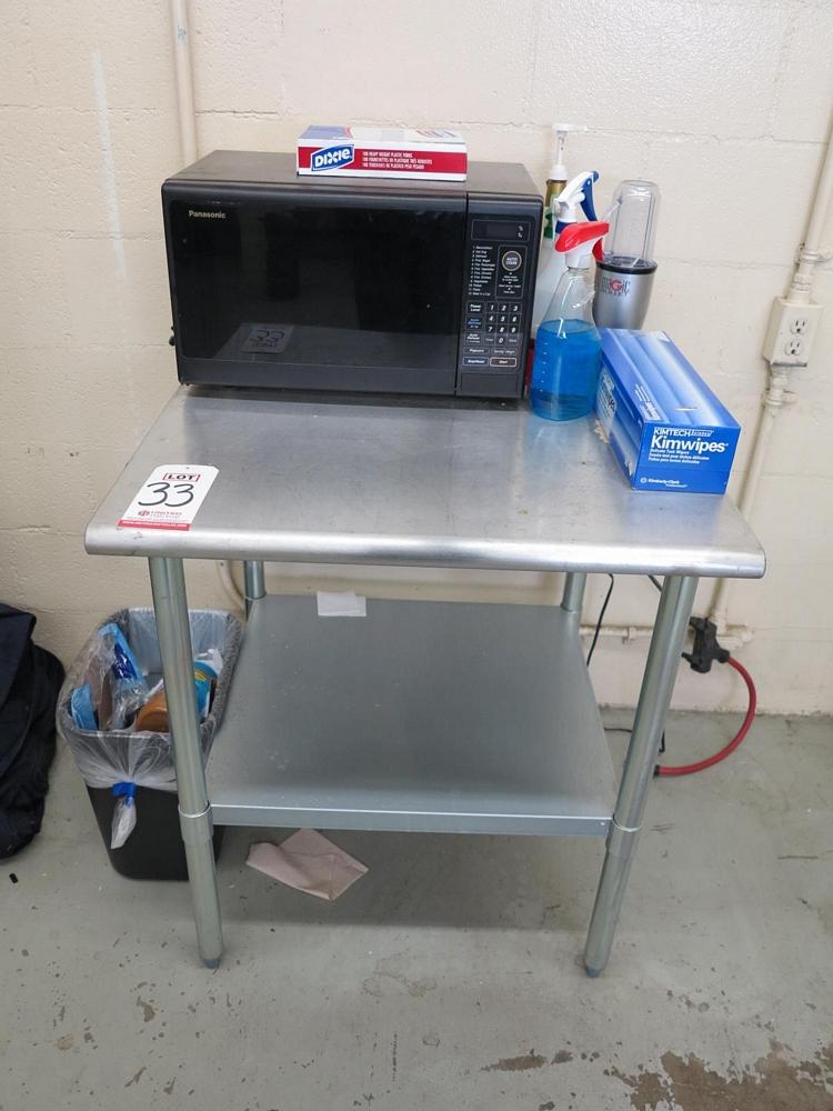 Lot 33 - METAL TABLE, 3' X 3', W/ PANASONIC CAROUSEL MICROWAVE