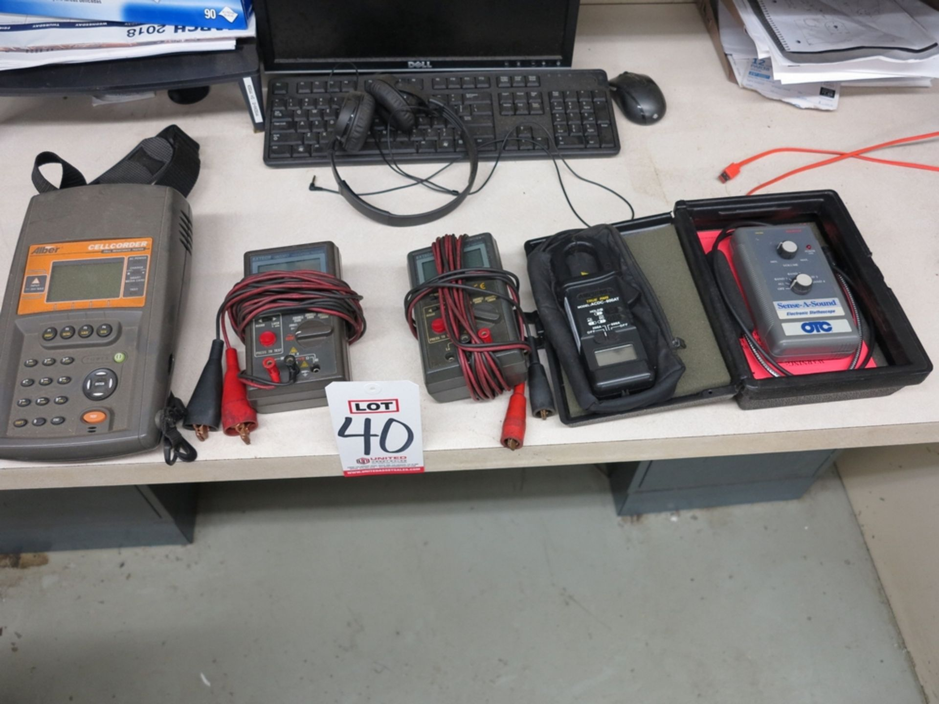 Lot 40 - LOT - MISC TEST EQUIPMENT: ELECTRONIC STETHOSCOPE, AMPROBE ACDC-600AT, (2) EXTECH 380360