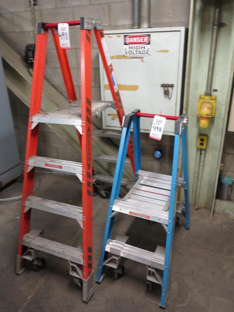Lot 498 - LOT - (2) WERNER FIBERGLASS FOLDING LADDERS, 2' AND 4', TREADS ON BOTH SIDES