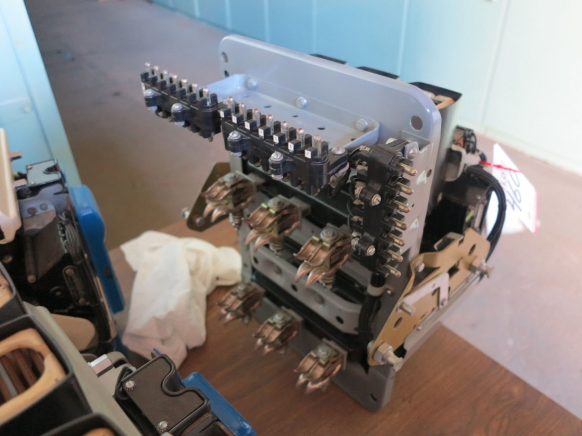 Lot 460 - GE LOW VOLTAGE CIRCUIT BREAKER, 600 V, TYPE: AK-7A-25-1