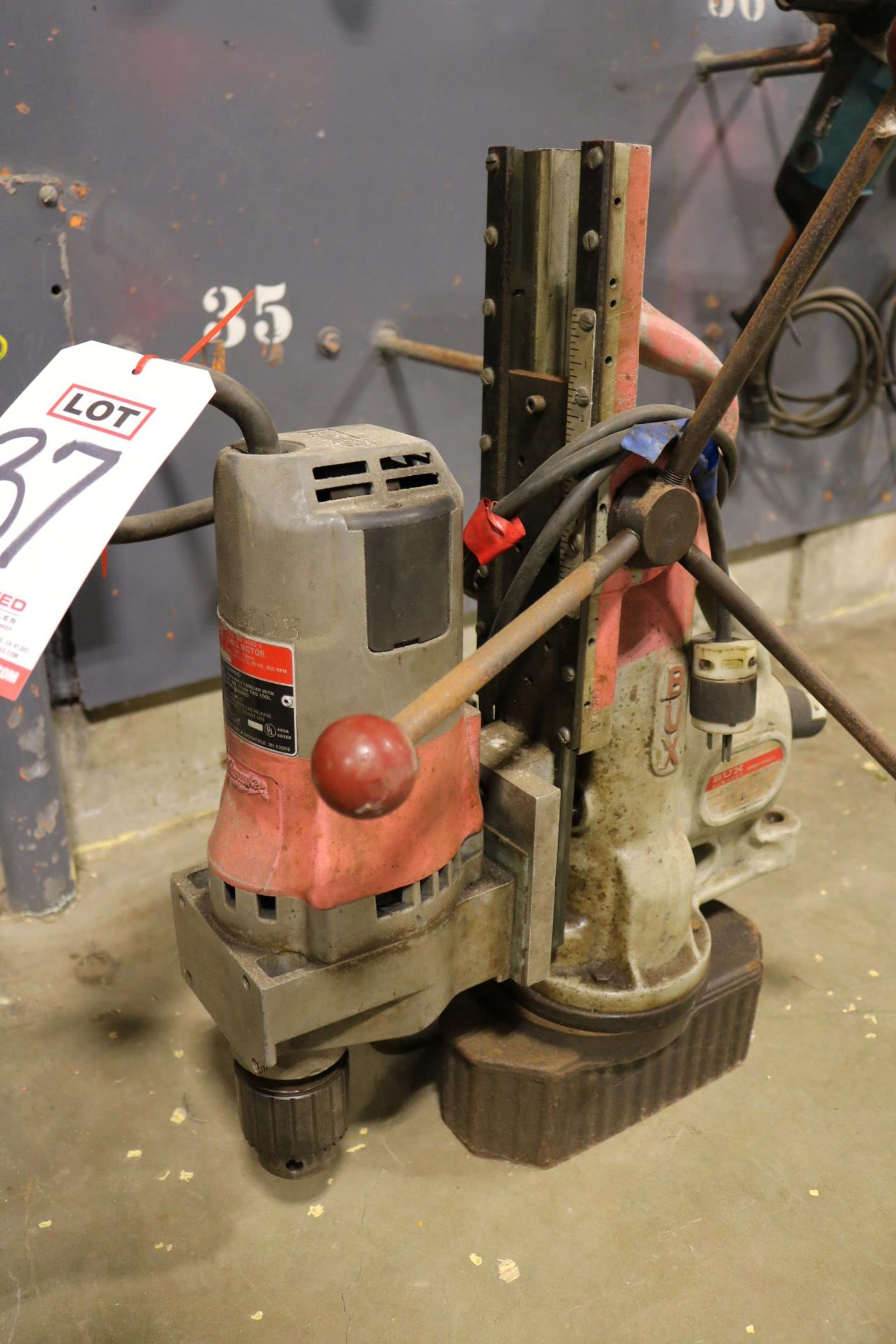 Lot 37 - MILWAUKEE MAGNETIC BASE DRILL, CAT. NO. 4262-1