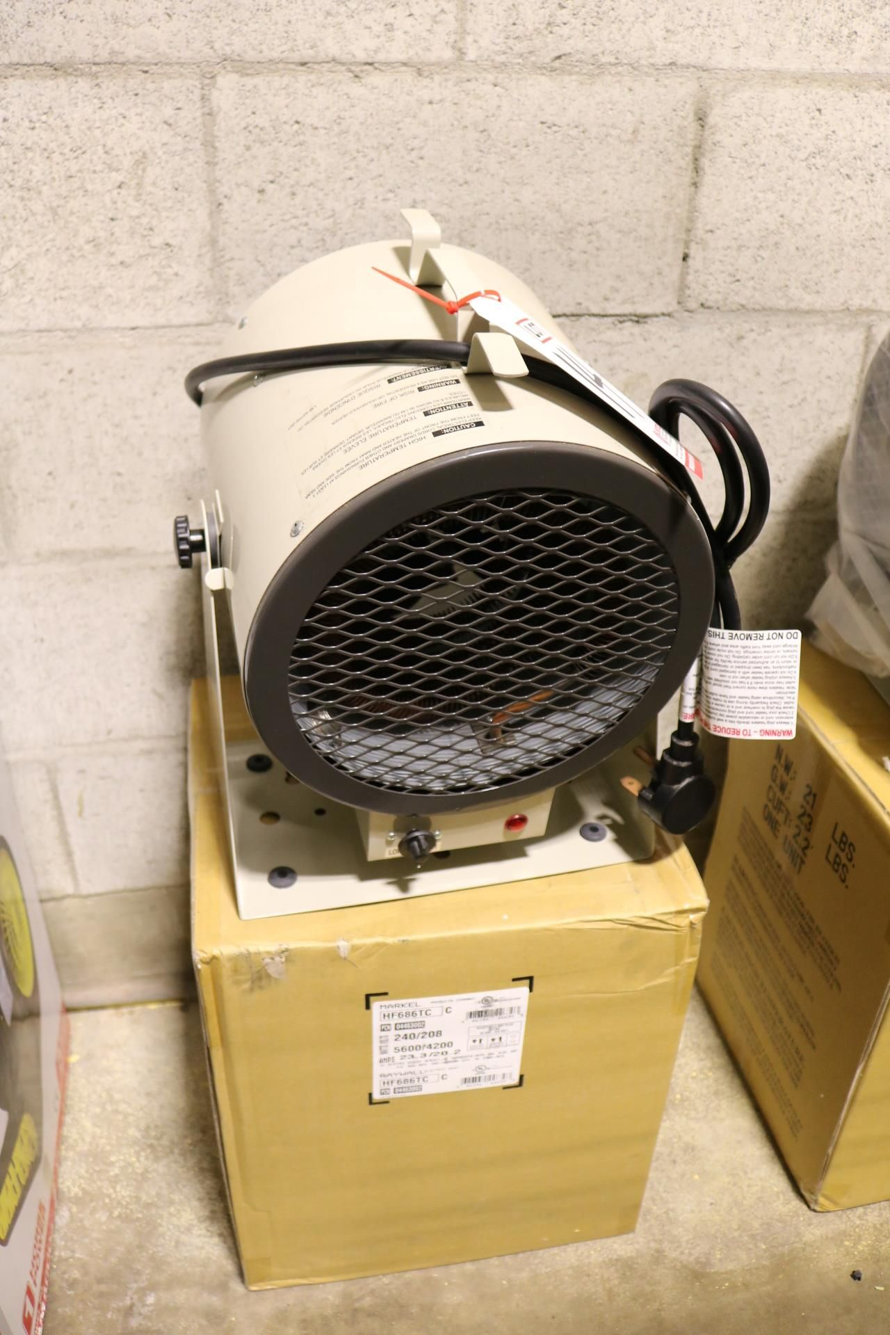 Lot 14 - LOT - (2) MARKEL FAN FORCED PORTABLE HEATER, MODEL HF686TC, 240/208V, BUILT IN 35-85F THERMOSTAT,