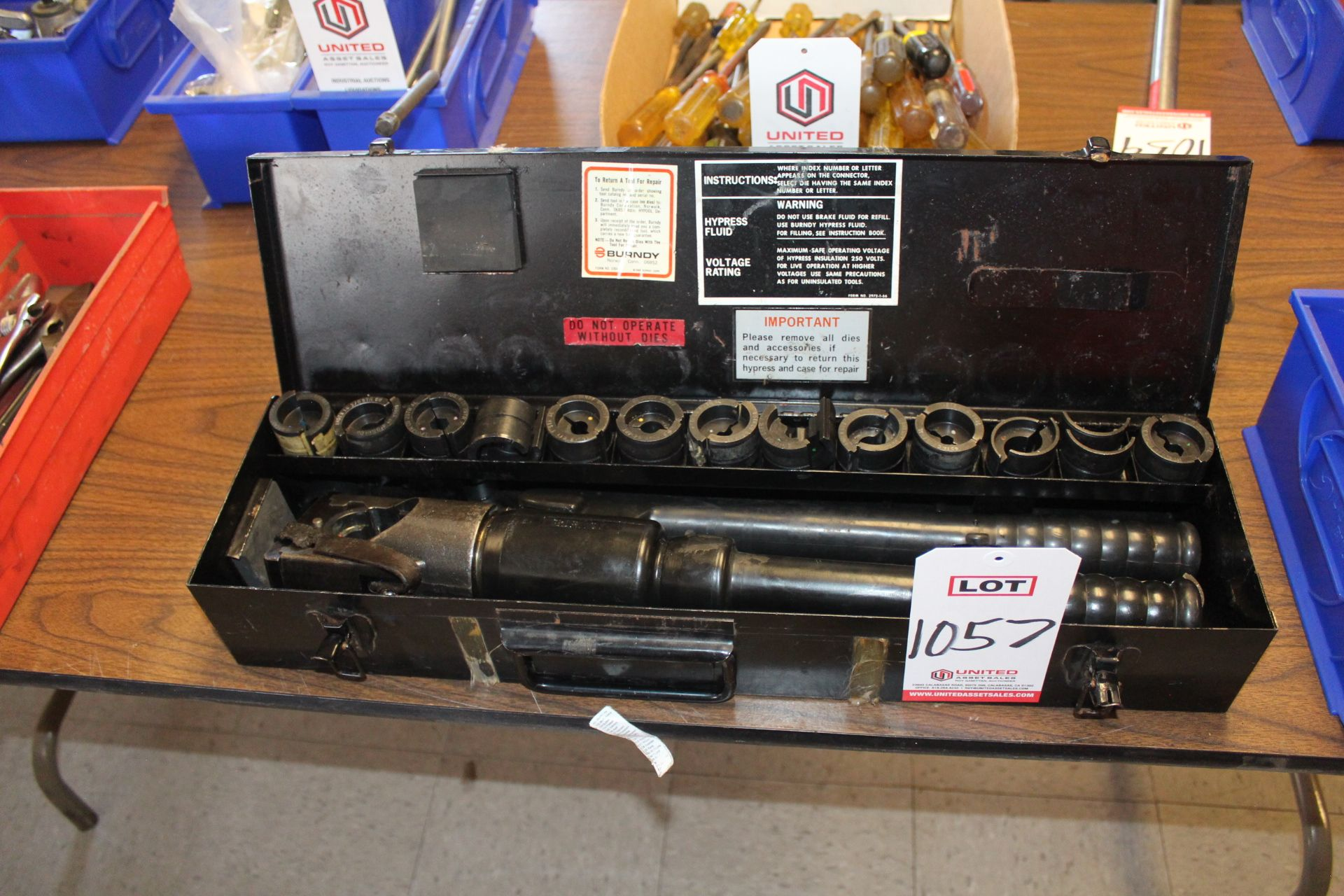 Lot 1057 - LOT - BURNDY Y93 HYPRESS CRIMPING TOOL SET, (LUNCHROOM)