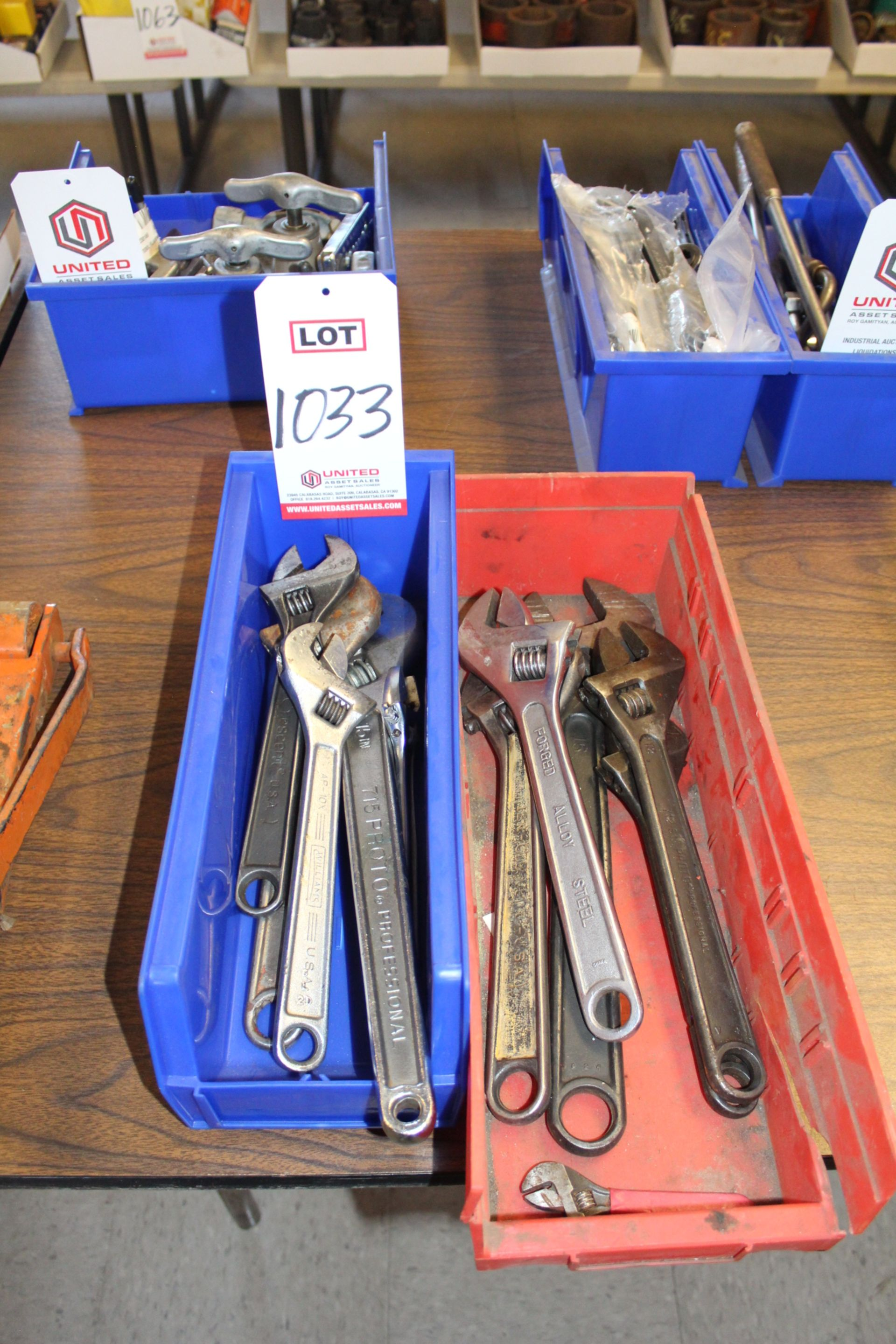 Lot 1033 - LOT - ADJUSTABLE WRENCHES, (LUNCHROOM)