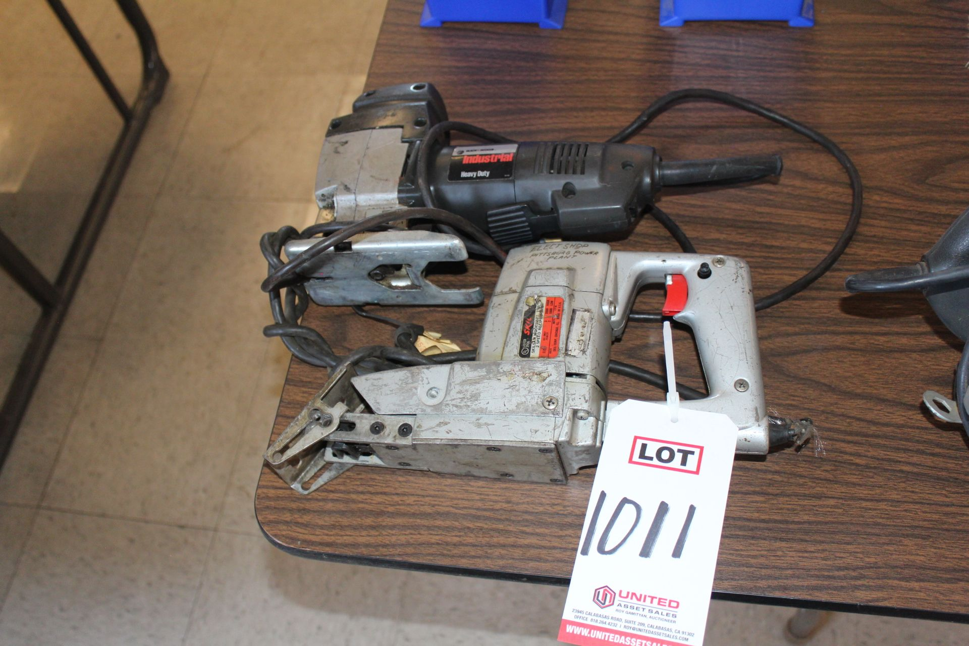Lot 1011 - LOT - (2) ELECTRIC JIG SAWS, (LUNCHROOM)