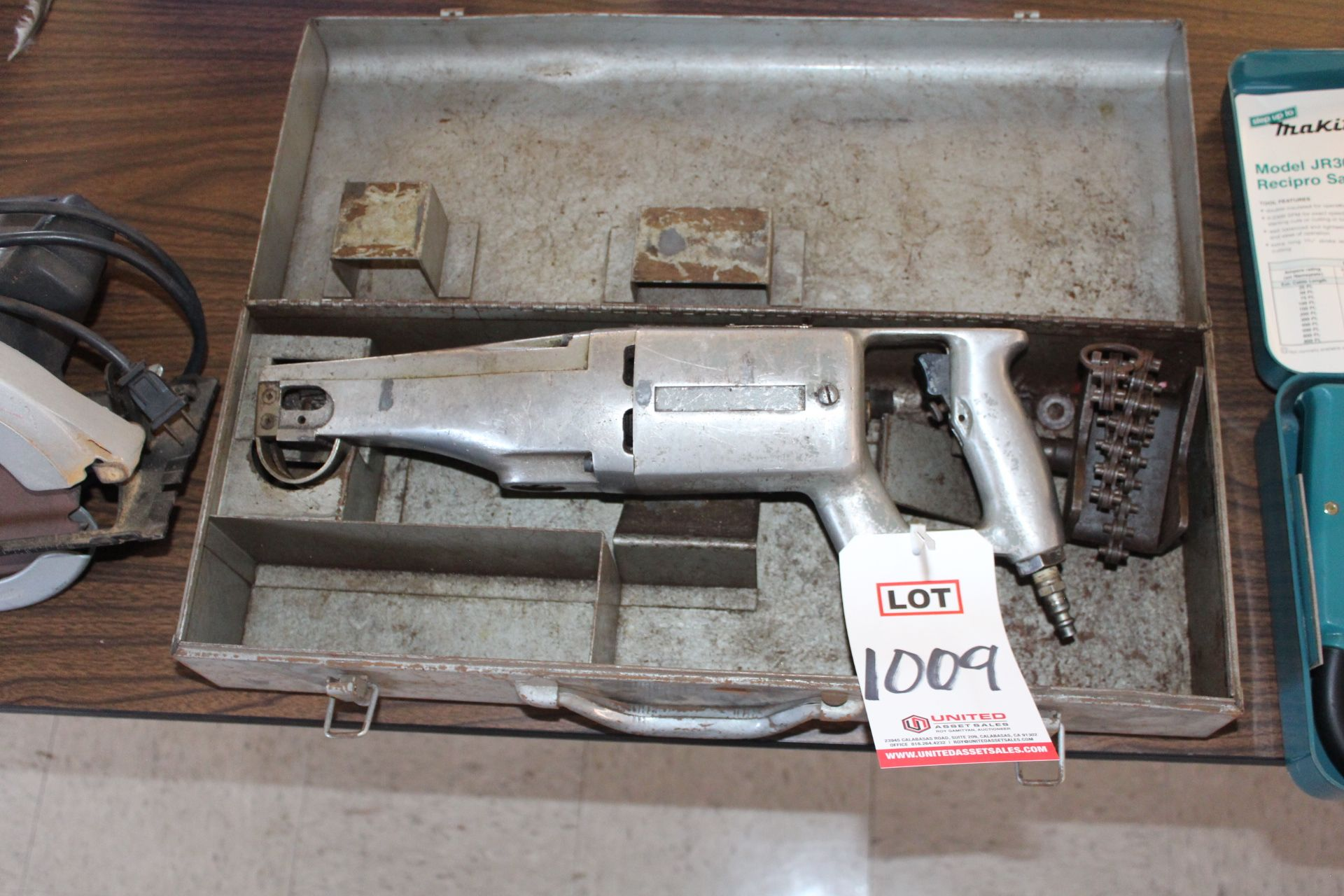 Lot 1009 - INGERSOLL RAND PNEUMATIC RECIPROCATING SAW, (LUNCHROOM)