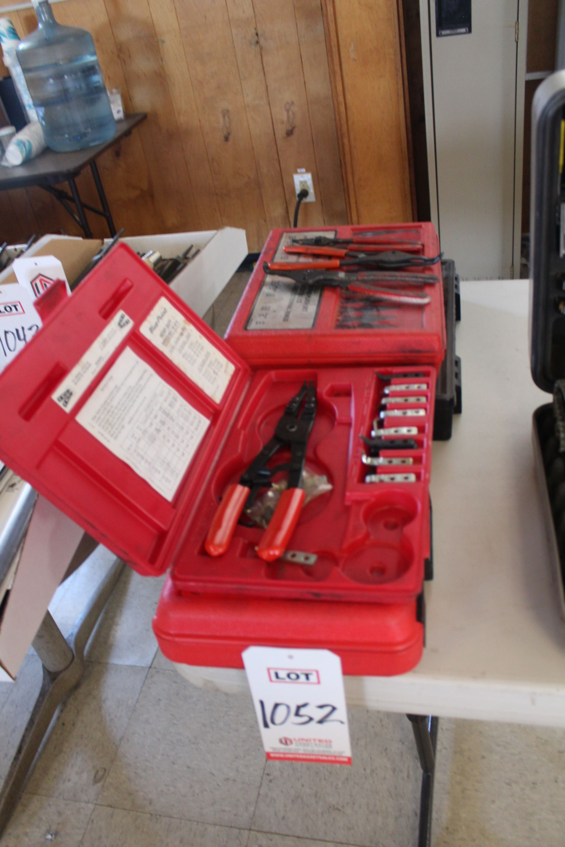 Lot 1052 - LOT - RETAINING RING PLIERS, (LUNCHROOM)