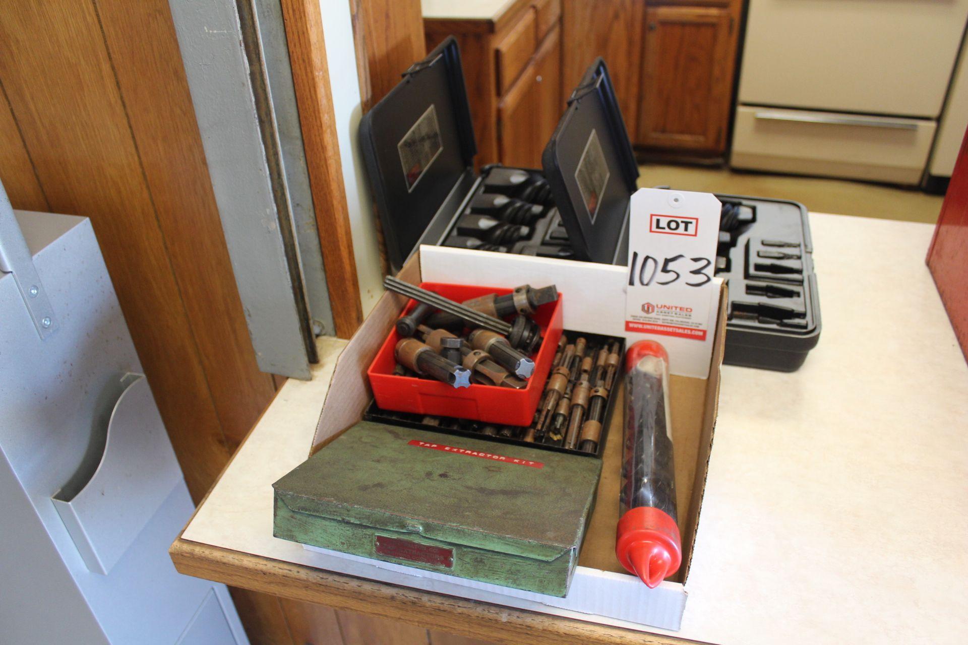 Lot 1053 - LOT - TAP EXTRACTORS, (LUNCHROOM)