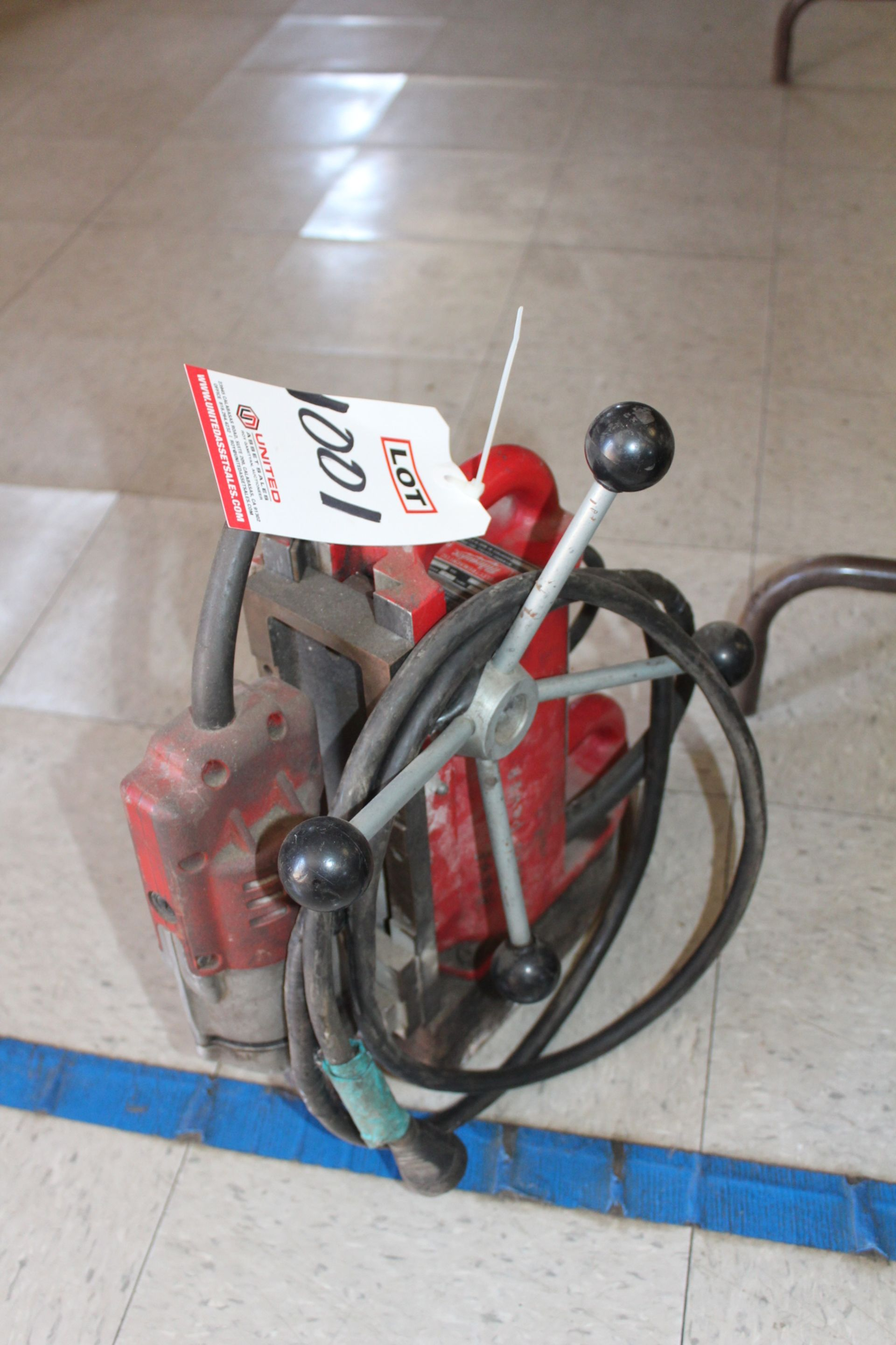 Lot 1001 - MILWAUKEE MAGNETIC BASE DRILL, (LUNCHROOM)