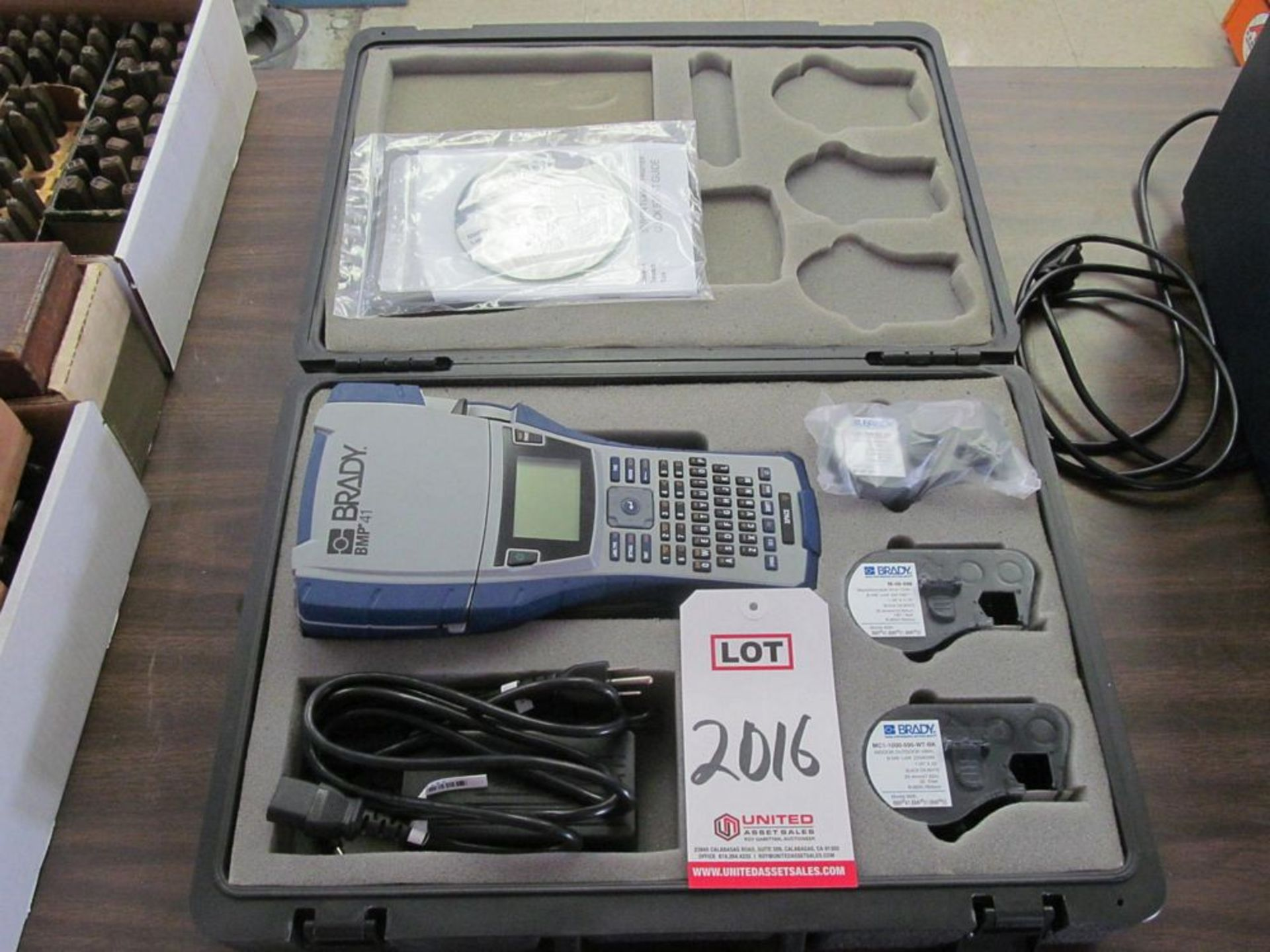 Lot 2016 - BRADY BMP41 LABELER (TECH LAB)