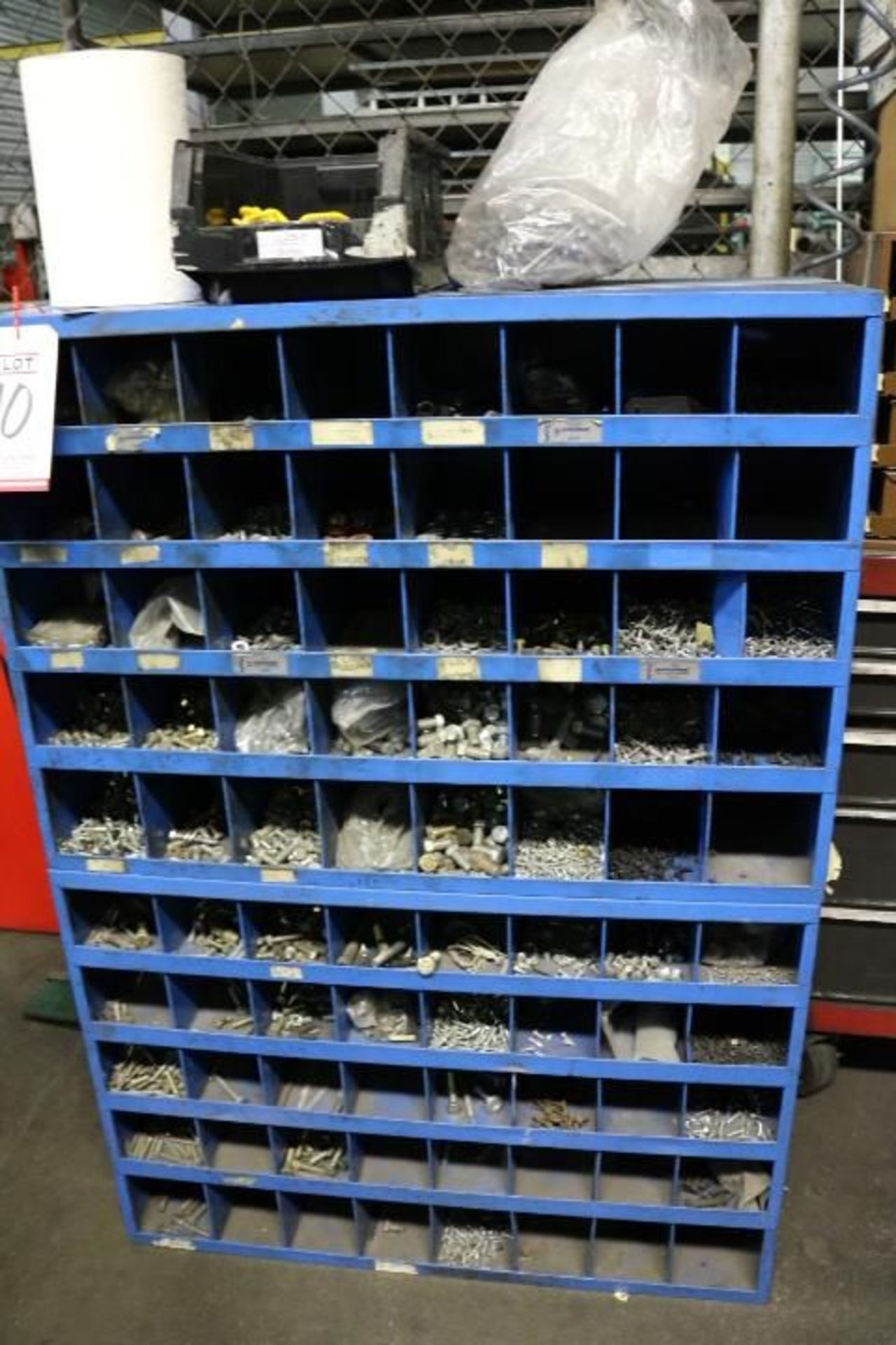Lot 40 - CABINET W/ CONTENTS TO INCLUDE: ASSORTED SCREWS, NUTS AND WASHERS