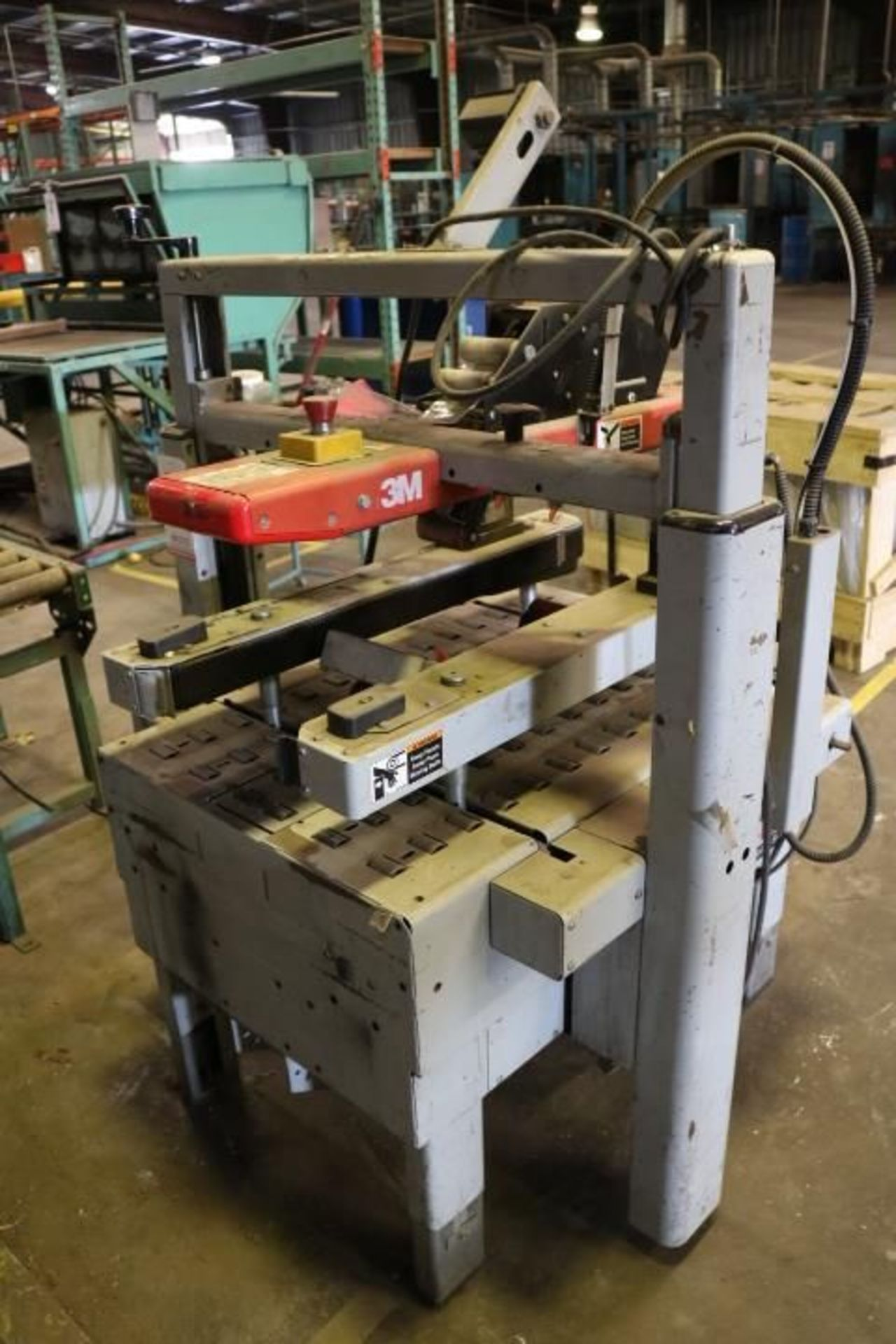Lot 12 - 3M-MATIC 800A3 ADJUSTABLE CASE SEALER, TYPE 39600, S/N 5897, STATIONARY