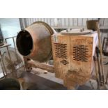 Lot 17 - WESTERN MANUFACTURING 2004 BATCH TYPE CEMENT MIXER, MODEL CM900WCLS14B, S/N CI-752638, WITH OR