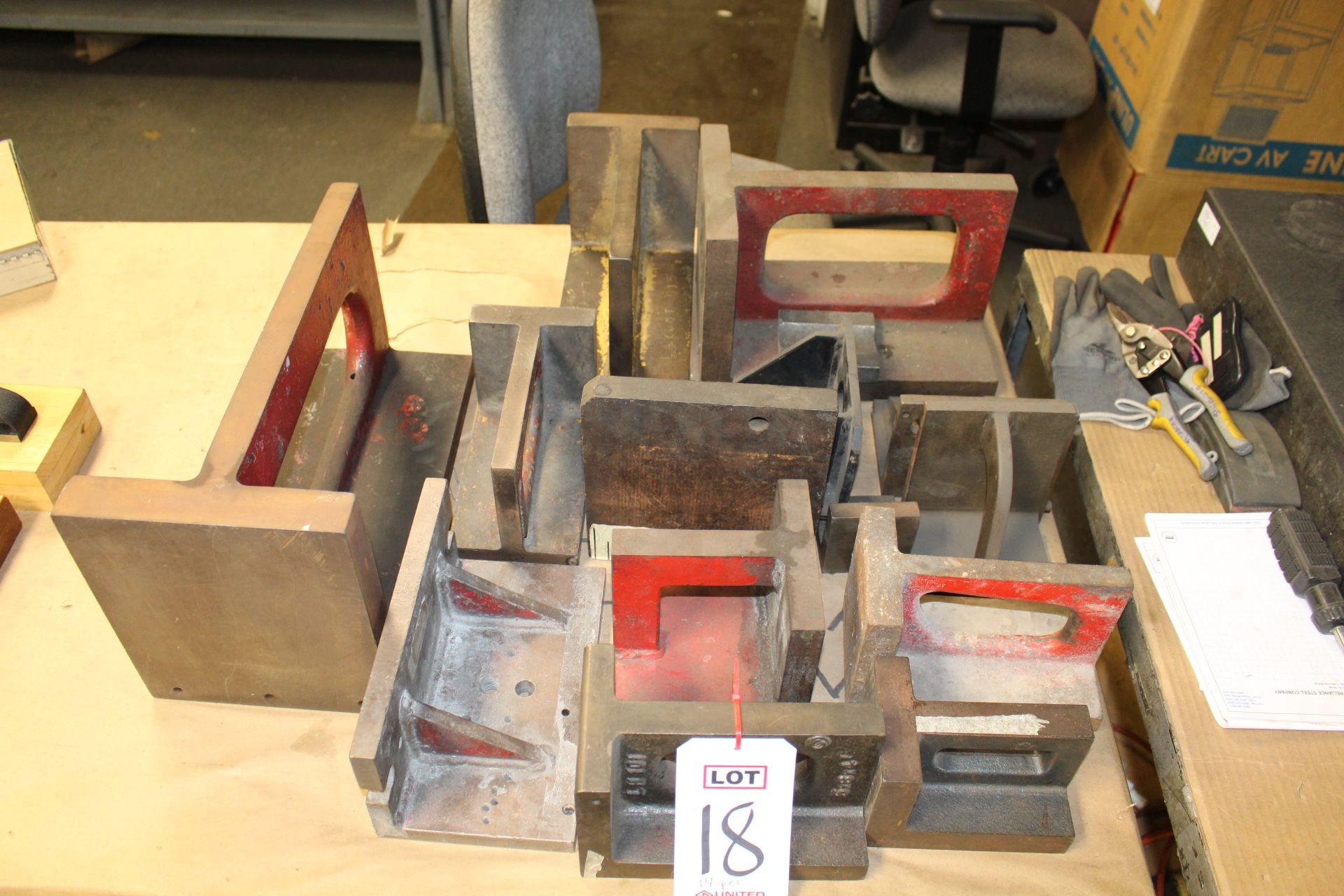 Lot 18 - LOT - (14) MISC INSPECTION ANGLE PLATES