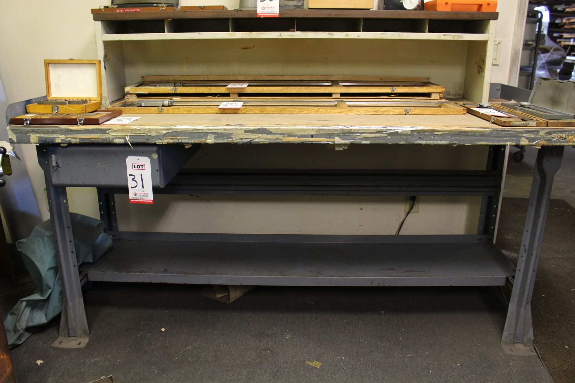 Lot 31 - LOT - (2) WORK BENCHES