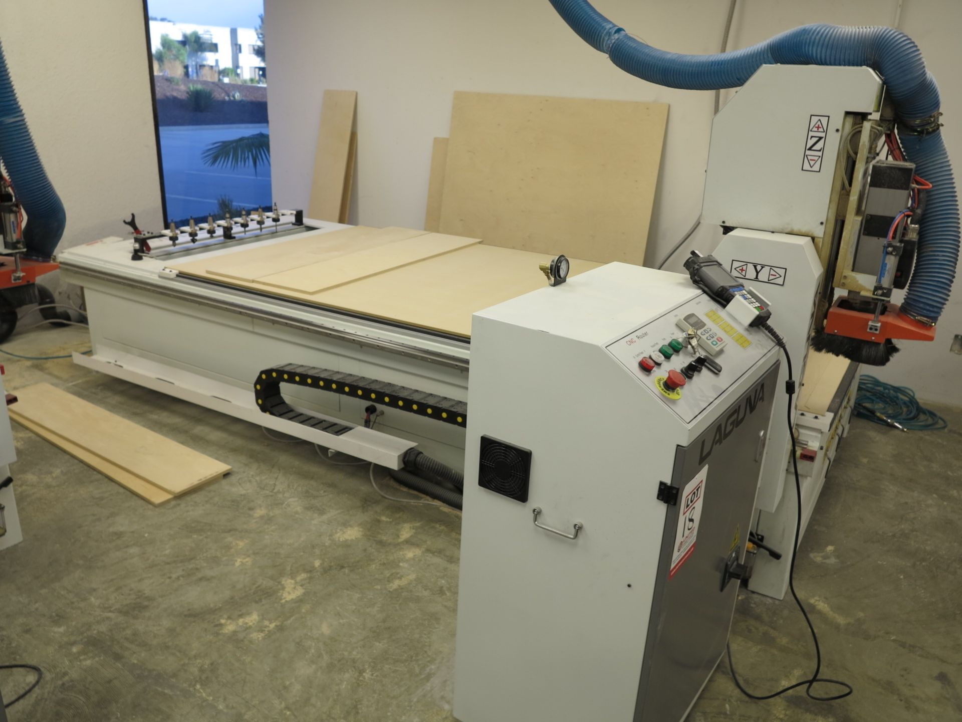 Lot 18 - 2018 LAGUNA SMARTSHOP M CNC ROUTER, 8 POSITION AUTOMATIC TOOL RACK, SINGLE SPINDLE 5.5 HP HEAD, 10