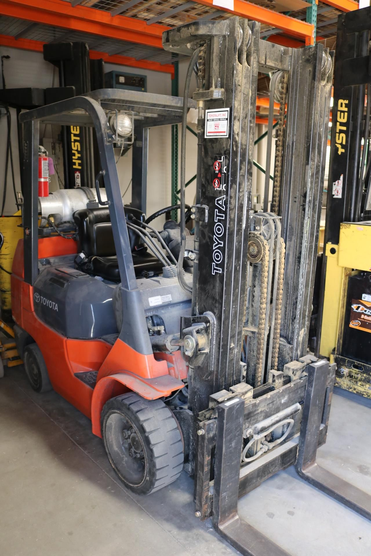 Lot 0 - PRO AUDIO SPEAKER MANUFACTURER, 2018 LAGUNA ROUTERS, SCHELLING PANEL SAW, TOYOTA & HYSTER FORKLIFTS