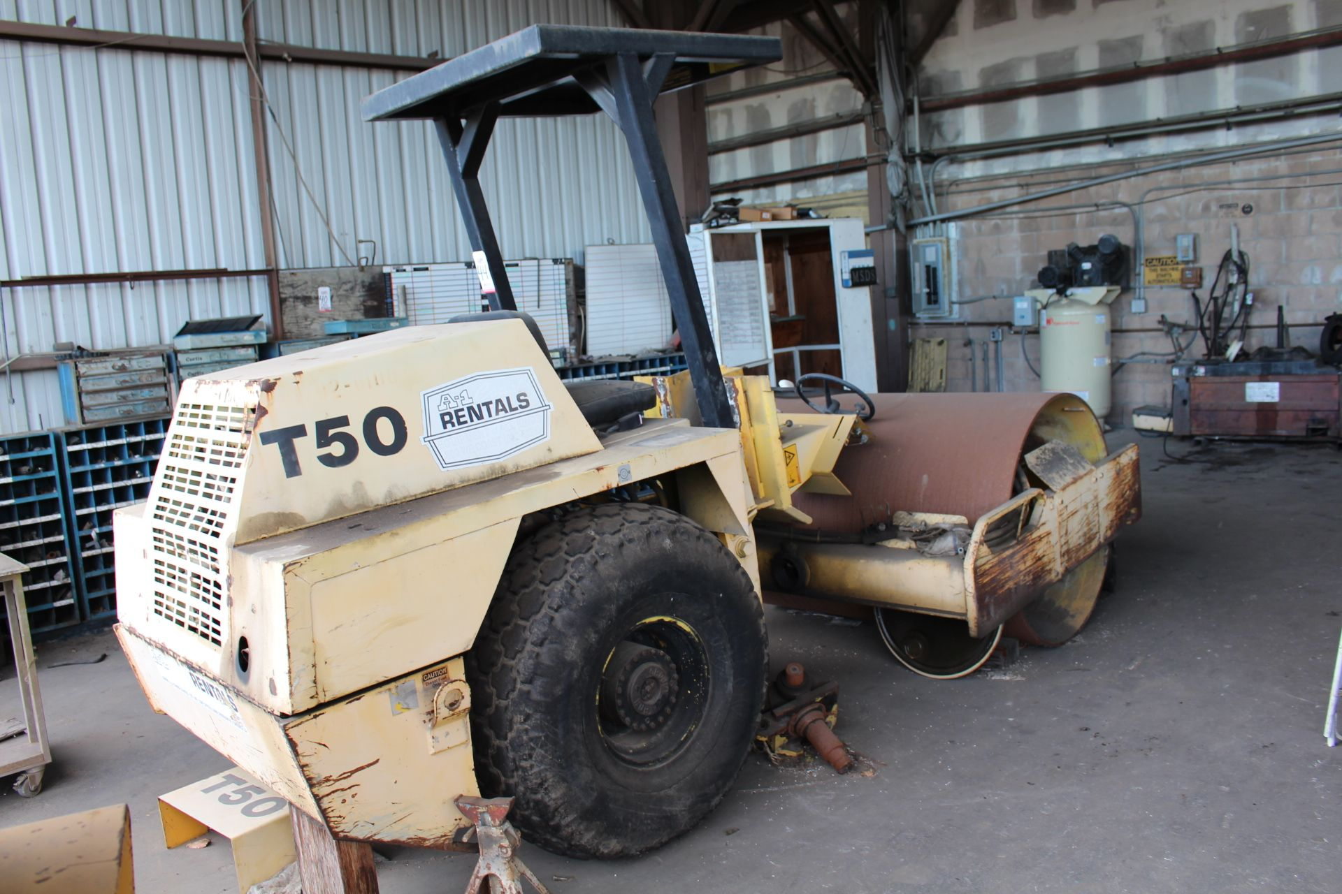 Lot 44 - COMPAC T50 COMPACTOR, S/N 544 (OUT OF SERVICE)