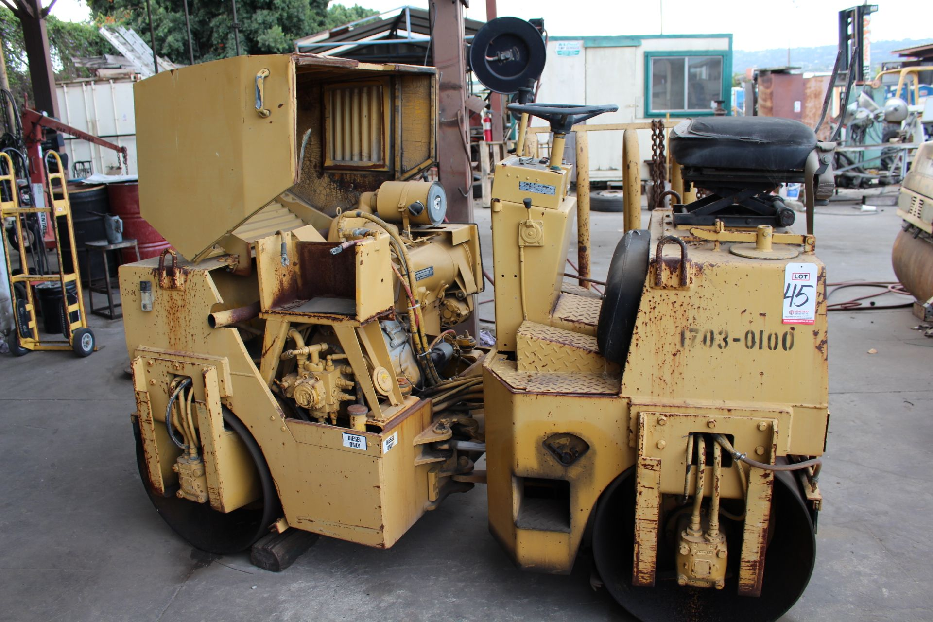 Lot 45 - SIT DOWN COMPACTOR (OUT OF SERVICE)