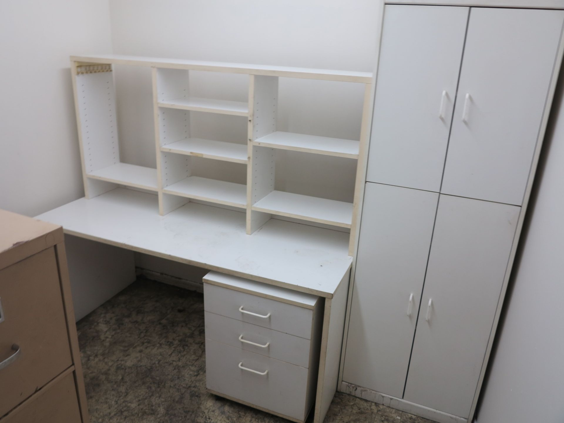 Lot 46 - LOT - CONTENTS OF ROOM, TO INCLUDE: CANON PC940, BROTHER INTELLIFAX 4100, ALL FURNITURE AND