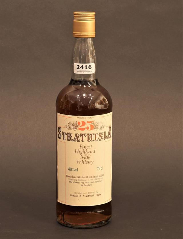 Lot 2416 - Strathisla Highland Malt Whisky, 25 years