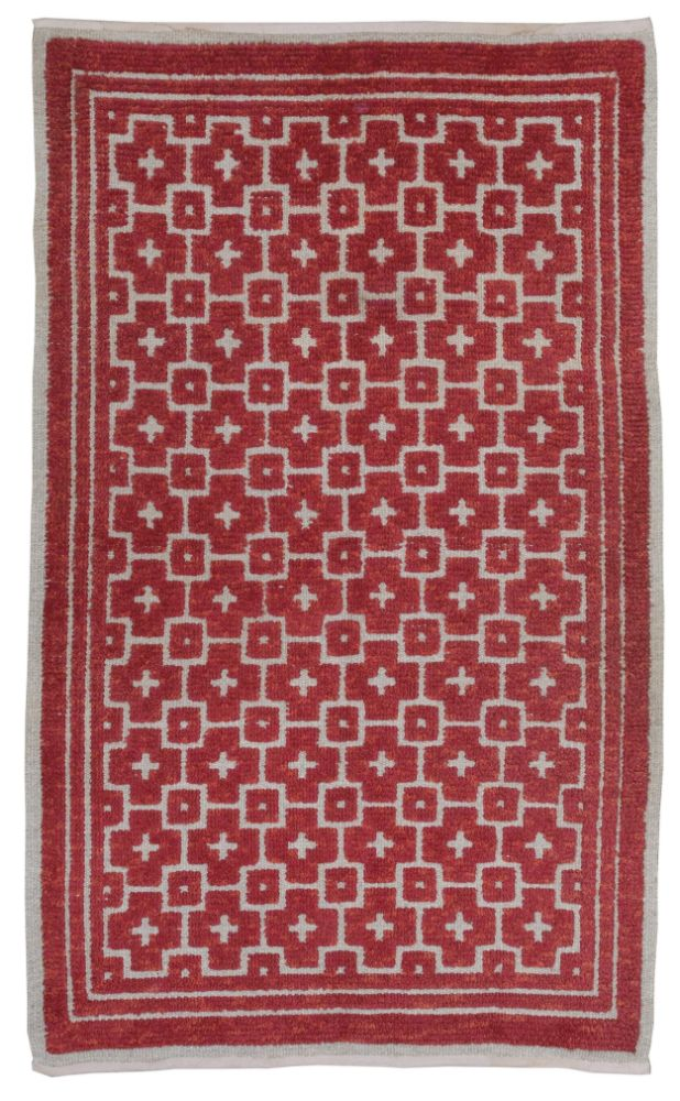 ANTIQUE RUGS AND CARPETS