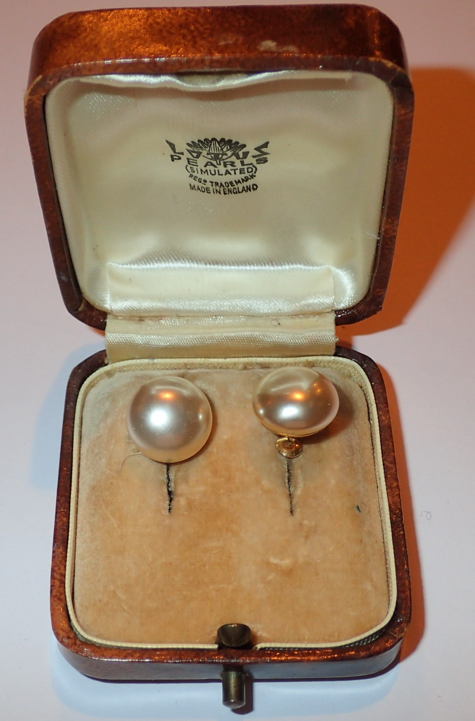 Lot 110 - Pair of 9ct gold mounted lotus pearl ear