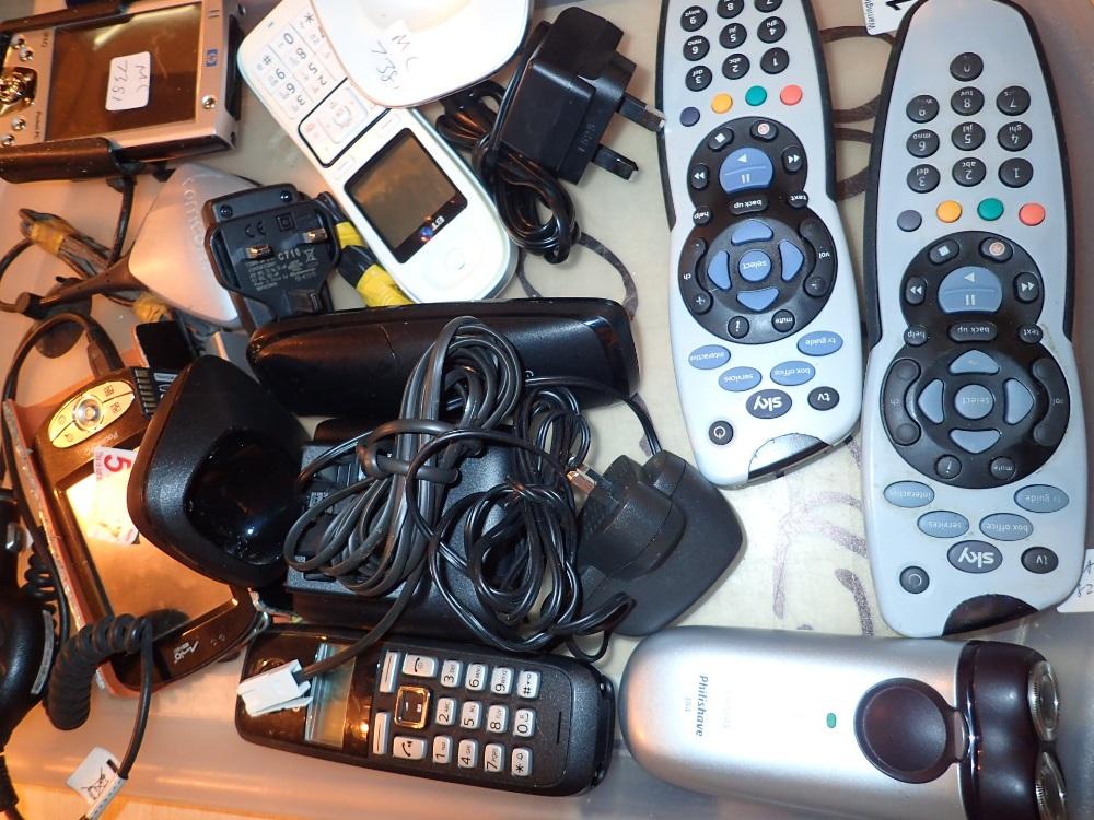 Lot 163 - Handheld 1 PAQ HP sat nav and camera two
