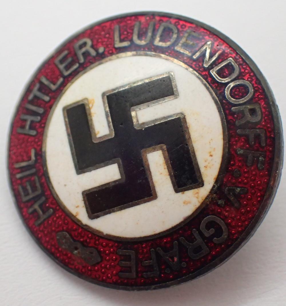 Lot 1455 - German enamel Swastika badge D: 2 cm