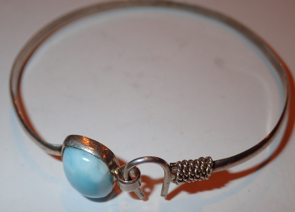 Lot 89 - 925 silver Navajo Indian style blue ston