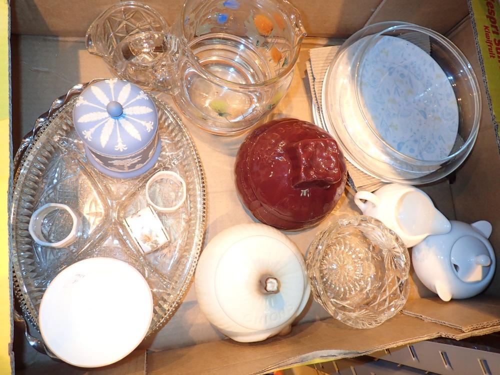 Lot 421 - Mixed lot of ceramics including Wedgwood