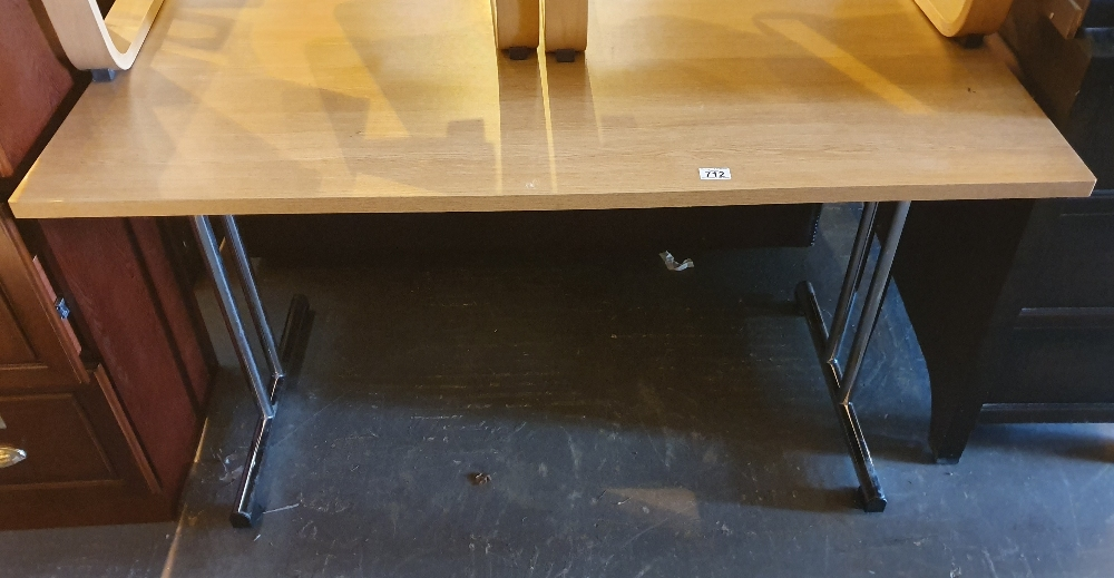 Lot 712 - Modern folding table on chromed supports 135 x 68 cm