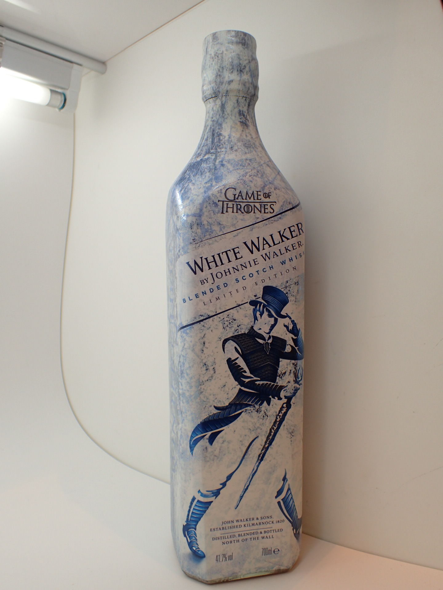 Lot 505 - Johnnie Walker limited edition Game of T