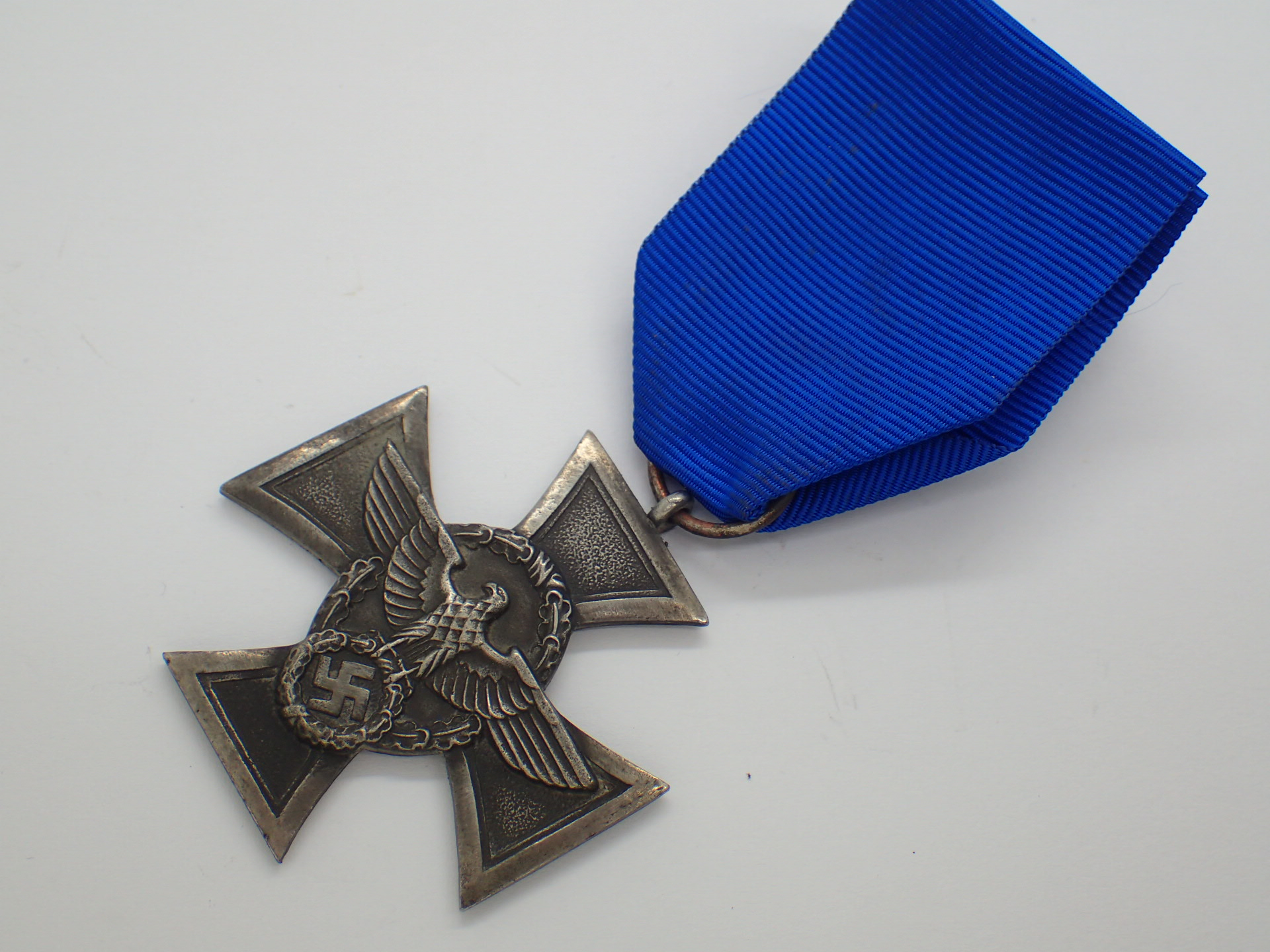 Lot 65 - WWII German Police long service medal