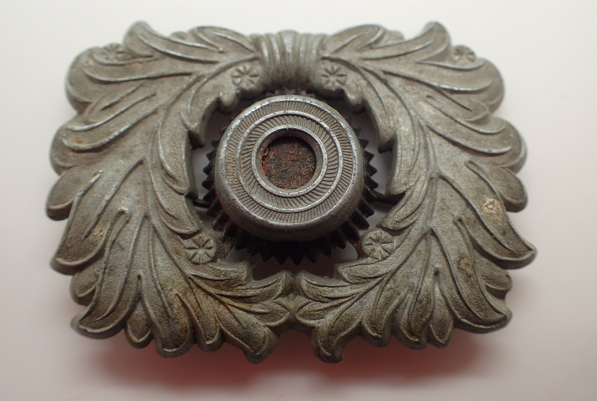 Lot 405 - WWII German Customs Officers cap badge