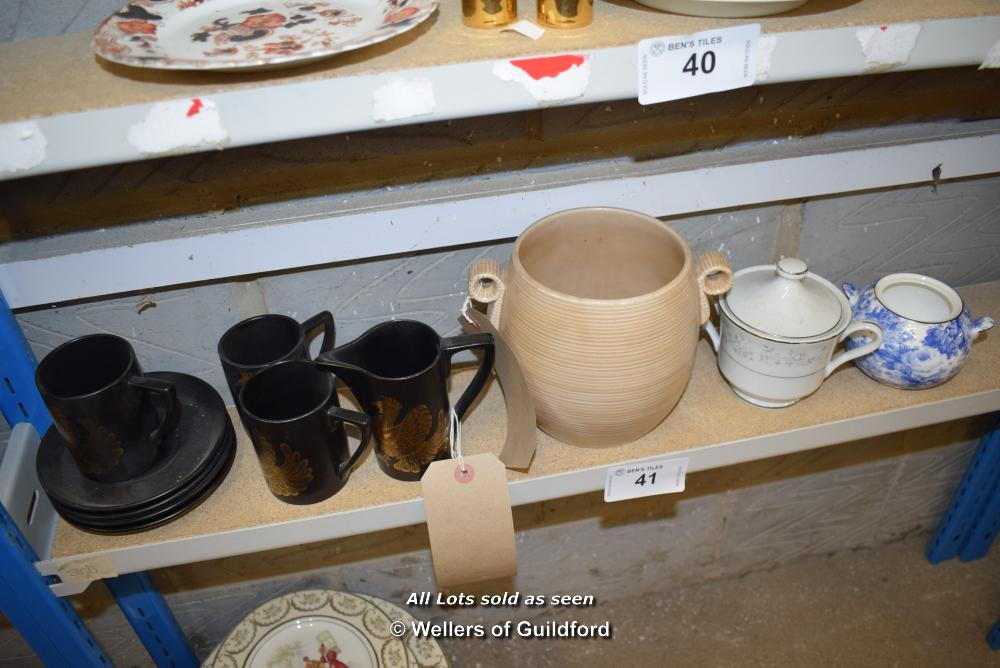 Lot 41 - *SHELF OF PORCELAIN WARE AND COLLECTABLES