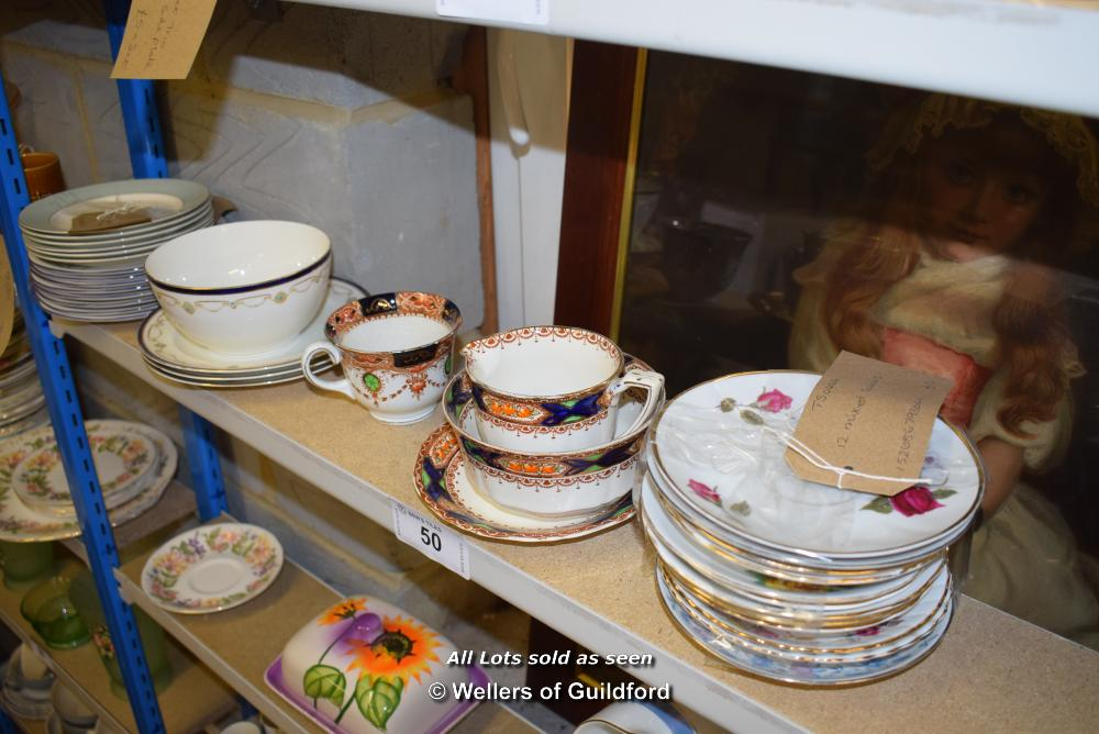 Lot 50 - *SHELF OF PORCELAIN WARE AND COLLECTABLES