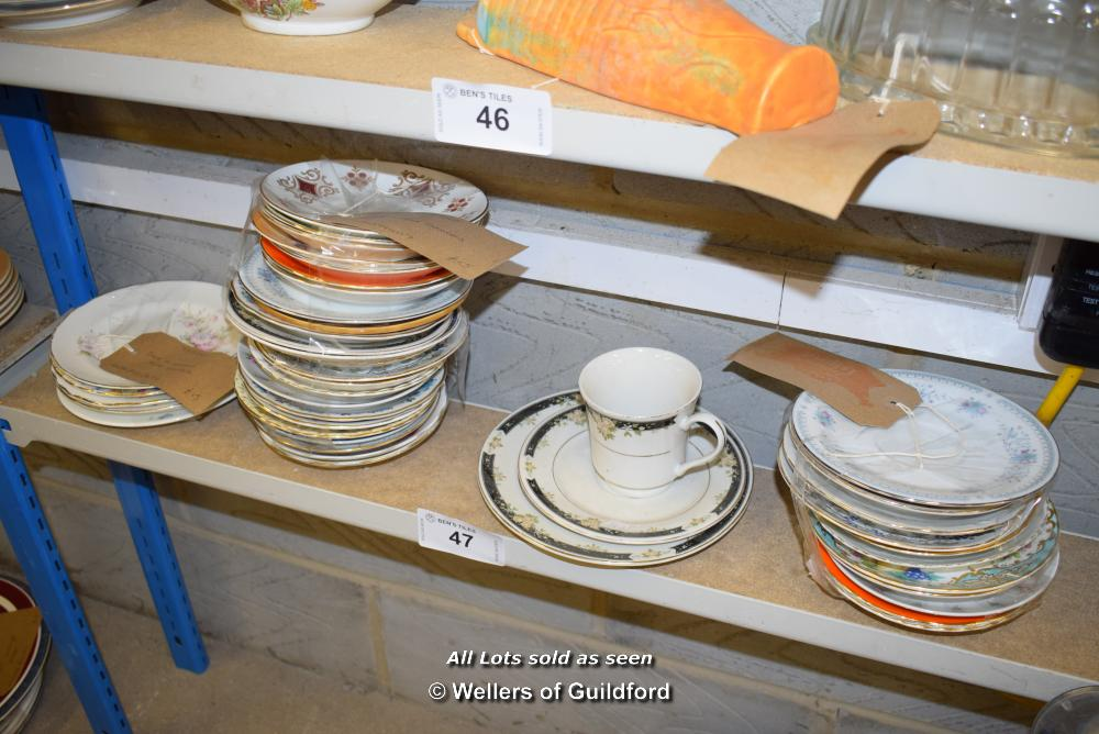 Lot 47 - *SHELF OF PORCELAIN WARE AND COLLECTABLES