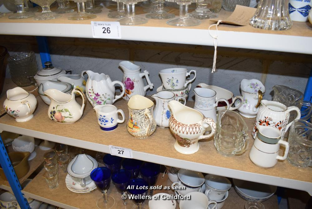 Lot 27 - *SHELF OF GLASSWARE, PORCELAIN WARE AND COLLECTABLES