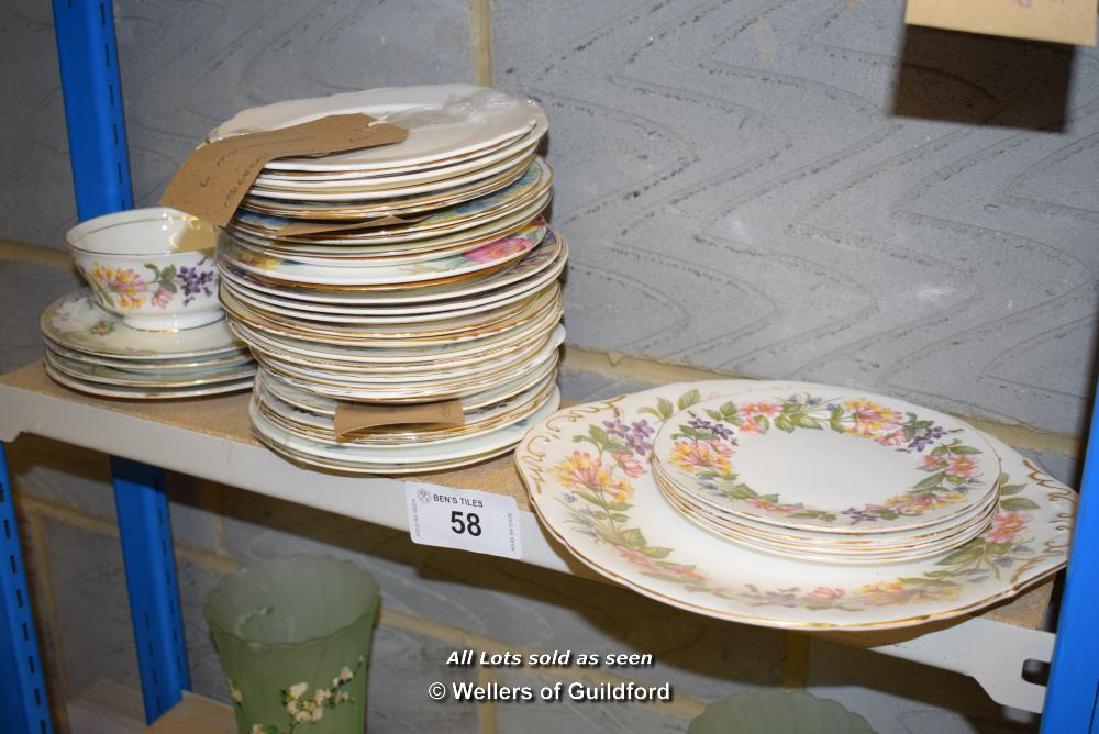 Lot 58 - *SHELF OF PORCELAIN WARE AND COLLECTABLES