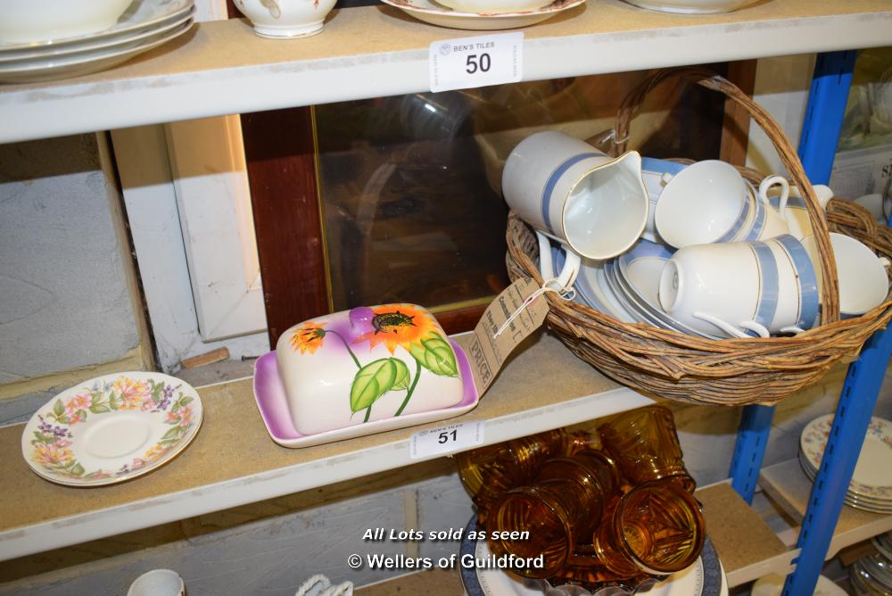 Lot 51 - *SHELF OF PORCELAIN WARE AND COLLECTABLES