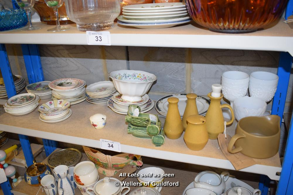 Lot 34 - *SHELF OF PORCELAIN WARE AND COLLECTABLES