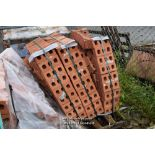 Lot 3 - FULL PALLET CONTAINING IBSTOCK GRAMPIAN RED ENGINEERING BRICKS