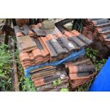Lot 22 - PALLET CONTAINING A LARGE QUANTITY OF DOUBLE PAN ROOF TILES