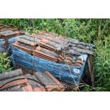 Lot 14 - PALLET CONTAINING A LARGE QUANTITY OF DOUBLE PAN ROOF TILES