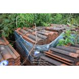 Lot 9 - PALLET CONTAINING A LARGE QUANTITY OF DOUBLE PAN ROOF TILES