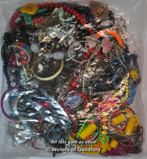 Lot 7040 - Sealed bag of costume jewellery, gross weight 3.72 kilograms