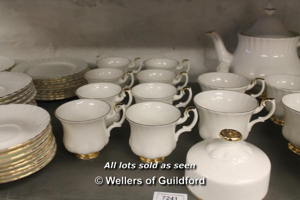 Lot 7241 - Royal Albert Val D'or eight place dinner and coffee service.