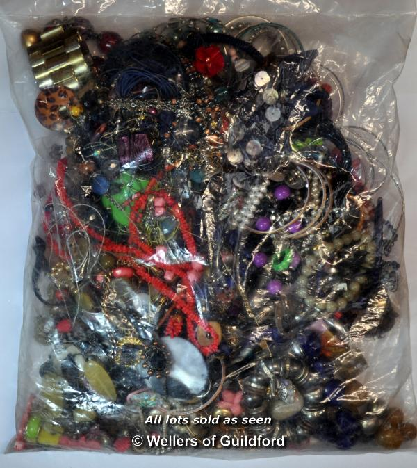 Lot 7035 - Sealed bag of costume jewellery, gross weight 4.20 kilograms