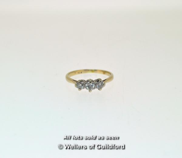 Lot 7014 - Three stone diamond ring, three round brilliant cut diamonds mounted in white metal stamped as